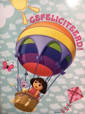 Ansichtkaart Dora in Ballon met opdruk ; gefeliciteerd !